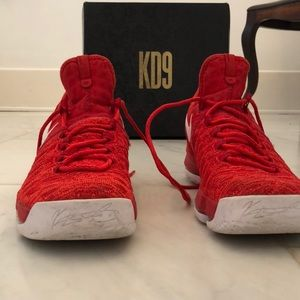 🏀 Men's Nike KD9 Basketball Shoes- Gently Worn 🏀